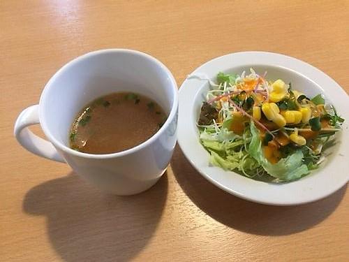 運蔵 ランチ サラダとスープ