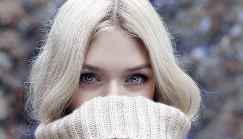 冬の髪が細くなる?