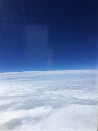 上空は晴れ