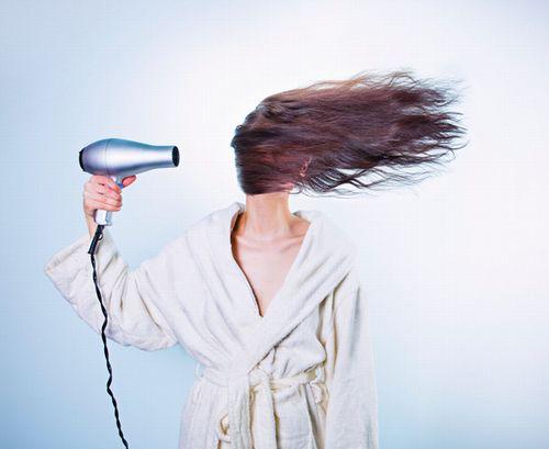 髪が早く乾くスプレー?
