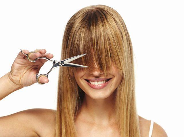 ダメージ毛の髪を切る頻度は?