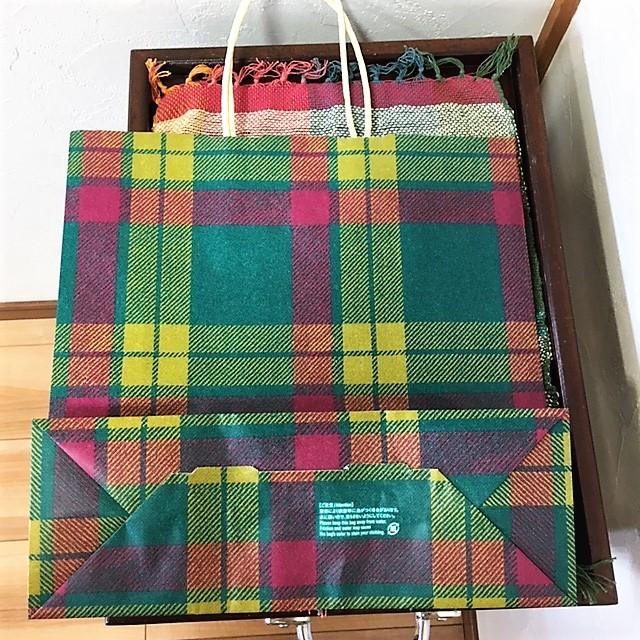 リバースのレジ袋は紙袋!