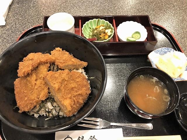 タレカツ丼 新潟市 銀鈴